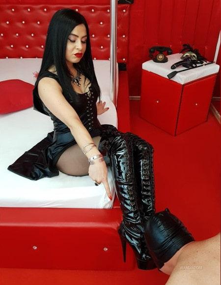 foot femdom mistress in boots