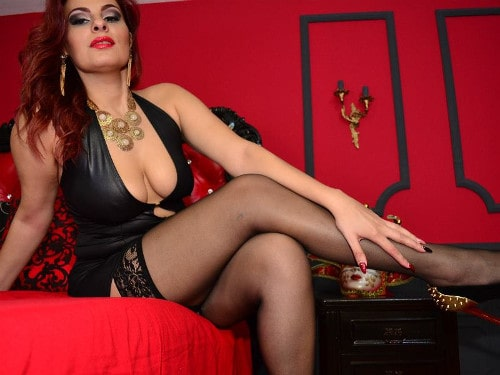 miss mia divine cleavage and legs