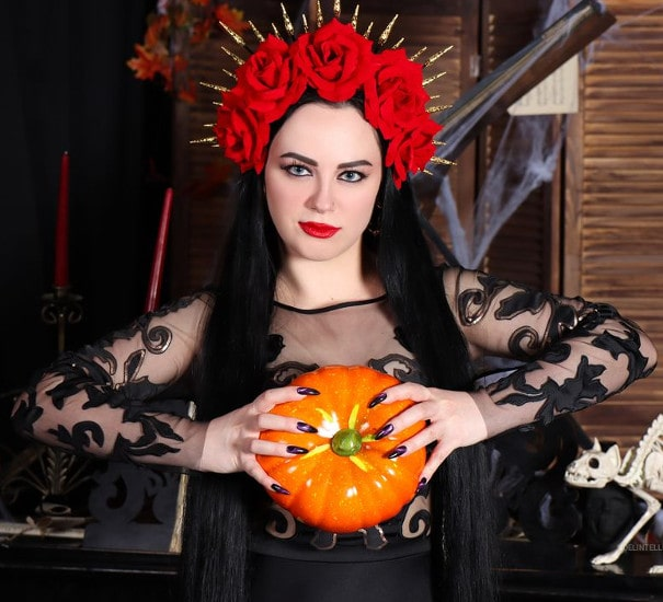 fetish mistress wearing crown of roses